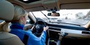 Illustrationsbild: Kvinna kör bil. PONTUS LUNDAHL / TT / TT NYHETSBYRÅN