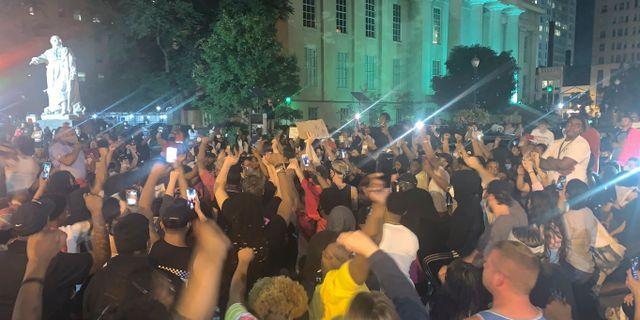 Protester i Louisville, Kentucky, efter att Breonna Taylor sköts ihjäl av polisen. Jada W. / TT NYHETSBYRÅN
