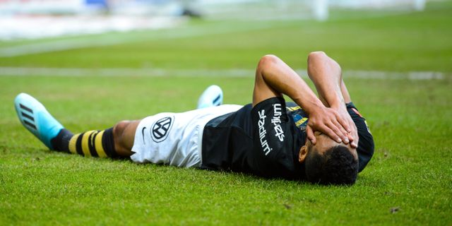 AIK:s Nabil Bahoui deppar efter en missad målchans. JESPER ZERMAN / BILDBYRÅN