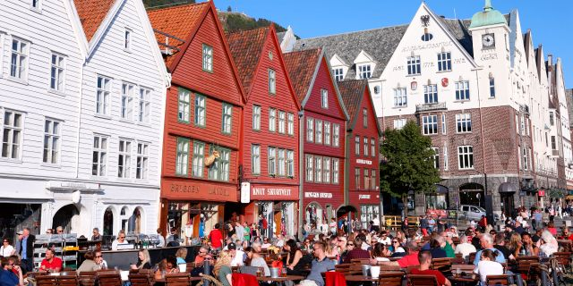 Uteservering i norska Bergen sommaren 2018. Løvland, Marianne / TT NYHETSBYRÅN