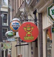 Barer i Amsterdam. PETER DEJONG / AP