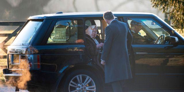 Drottning Elizabeth anländer till kyrkan Joe Giddens / TT NYHETSBYRÅN
