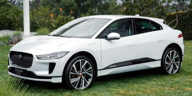 Jaguar I-PACE har skapats med inspiration från supersportbilen Jaguar C-X75.  Nick Dimbleby
