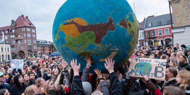 Demonstranter som deltar i den globala klimatstrejken, i mars 2019.  Johan Nilsson/TT / TT NYHETSBYRÅN