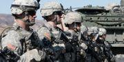 Amerikanska soldater under en militärövning i Sydkorea. Arkivbild från 2011.  Ahn Young-joon / TT / NTB Scanpix