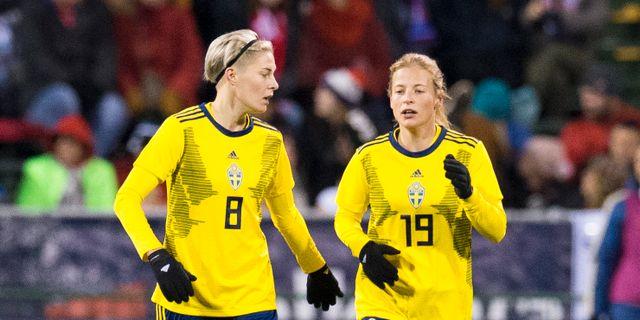Lina Hurtig och Anna Anvegård.   Greg Bartram / TT NYHETSBYRÅN