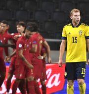 Ronaldo skymtas bakom Kulusevski, från Nations League Claudio Bresciani/TT / TT NYHETSBYRÅN
