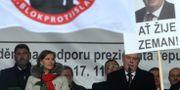 President Miloš Zeman på antiislamisk demonstration i höstas. MICHAL CIZEK / AFP