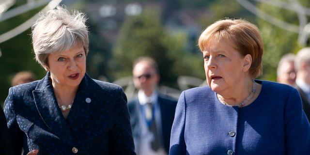 Theresa May tillsammans med Tysklands förbundskansler Angela Merkel.  Darko Vojinovic / TT / NTB Scanpix