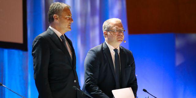 Carl-Henric Svanberg styrelseordförande för AB Volvo och Martin Lundstedt vd och koncernchef under AB Volvos årsstämma på Konserthuset i Göteborg. Arkivbild.  Adam Ihse/TT / TT NYHETSBYRÅN