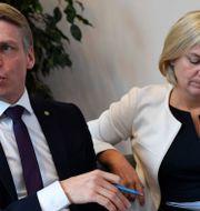 Bostadsminister Per Bolund (MP) och finansminister Magdalena Andersson (S). Arkivbild. Jessica Gow/TT / TT NYHETSBYRÅN