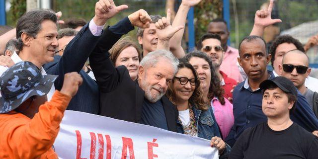 Lula Da Silva med sina anhängare. AP/TT