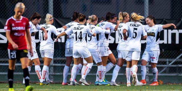 Spelare i Kopparbergs/Göteborg jublar.  CHRISTOFFER BORG MATTISSON / BILDBYRÅN