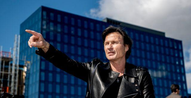 Petter Stordalen vid Geelys nya campus Uni3 på Lindholmen i Göteborg där man nu bygger ett hotel i anslutning till campuset. Arkivbild från i april 2021. Adam Ihse/TT / TT NYHETSBYRÅN