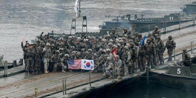 Amerikanska och sydkoreanska militärer vid en övning 2015. Ahn Young-joon / TT NYHETSBYRÅN