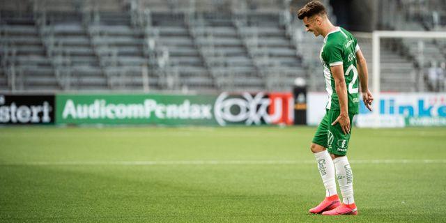 Hammarbys Alexander Kacaniklic går ut skadad under fotbollsmatchen JOHANNA LUNDBERG / BILDBYRÅN