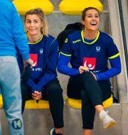 Isabelle Gulldén och Sabina Jacobsen på dagens träning. LUDVIG THUNMAN / BILDBYR ÅN