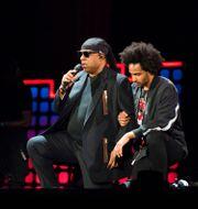 Stevie Wonder och Kwame Morris. Michael Noble Jr. / TT NYHETSBYRÅN