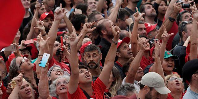 Lula-supportrar firar frisläppandet Leo Correa / TT NYHETSBYRÅN