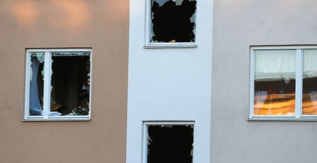 Förstörda fönster efter explosionen i stadsdelen Hageby i Norrköping. Magnus Andersson / TT / TT NYHETSBYRÅN