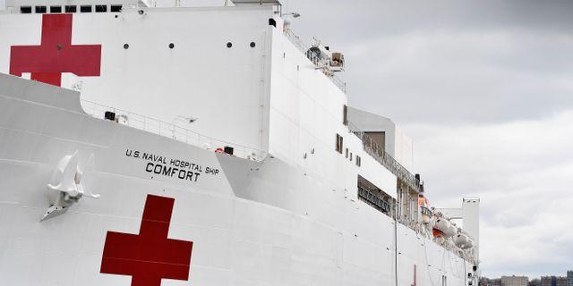 Arméns sjukhusfartyg vid pir 90 i New York. ANGELA WEISS / TT NYHETSBYRÅN