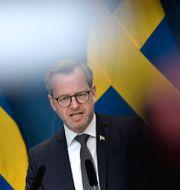 Damberg på pressträffen. Janerik Henriksson/TT / TT NYHETSBYRÅN