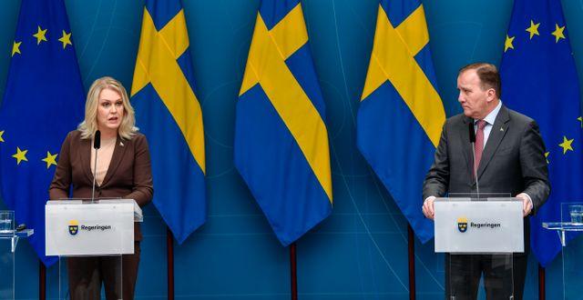 Socialminister Lena Hallengren och statsminister Stefan Löfven/Arkivbild. Henrik Montgomery/TT / TT NYHETSBYRÅN