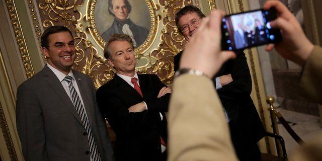 Republikanske senatorn Rand Paul i mitten. WIN MCNAMEE / GETTY IMAGES NORTH AMERICA