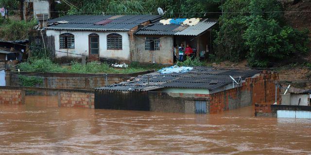 Regnet har orsakat stora översvämningar Flavio Tavares / TT NYHETSBYRÅN