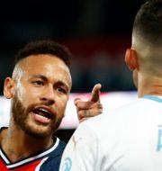 Neymar tillrättavisar Álvaro González GONZALO FUENTES / BILDBYRÅN