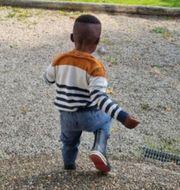 """Treårige """"Tim"""" riskerar att utvisas till Nigera efter Migrationsverkets beslut.  TT/Privat"""