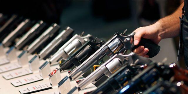 Vapenmässa i Las Vegas.  John Locher / TT NYHETSBYRÅN