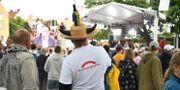 Man med den aktuella tröjan i Almedalen i somras. Arkivbild. Henrik Montgomery/TT / TT NYHETSBYRÅN