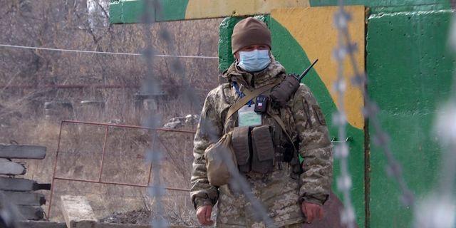 Ukrainsk soldat i Donetsk.  TT NYHETSBYRÅN