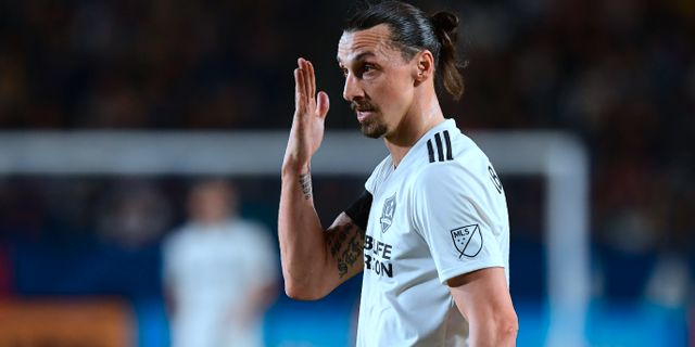 Zlatan Ibrahimovic under nattens match. FREDERIC J. BROWN / AFP