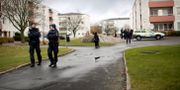 Arkivbild: Poliser på plats efter skottlossning i Göteborgsstadsdelen Tynnered, där två personer dödades i en skottlossning. Björn Larsson Rosvall/TT / TT NYHETSBYRÅN