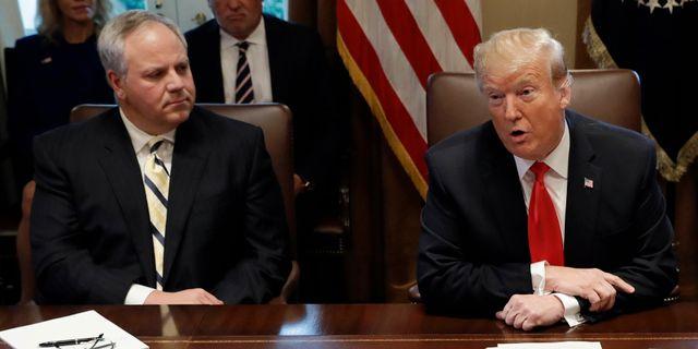 David Bernhardt och Donald Trump. Evan Vucci / TT NYHETSBYRÅN