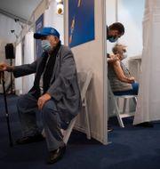 Vaccinering i Tel Aviv den 3 januari. Oded Balilty / TT NYHETSBYRÅN