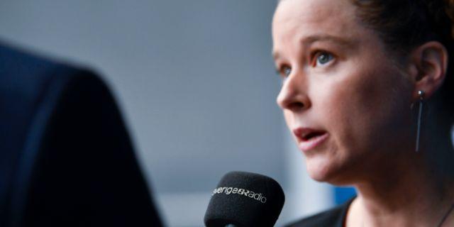 Kulturminister Amanda Lind (MP) delar ut Tucholskypriset. Henrik Montgomery/TT / TT NYHETSBYRÅN