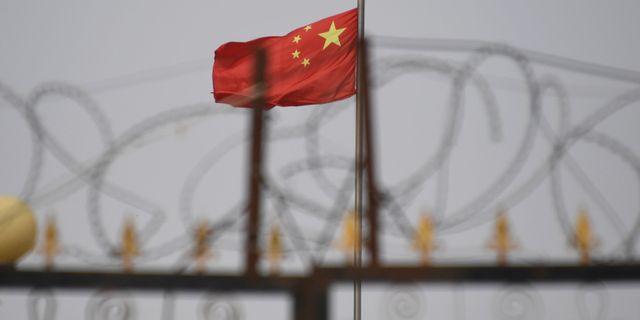 Enligt en rapport som BBC hänvisar till skiljer Kina muslimska barn från sina föräldrar.  GREG BAKER / AFP