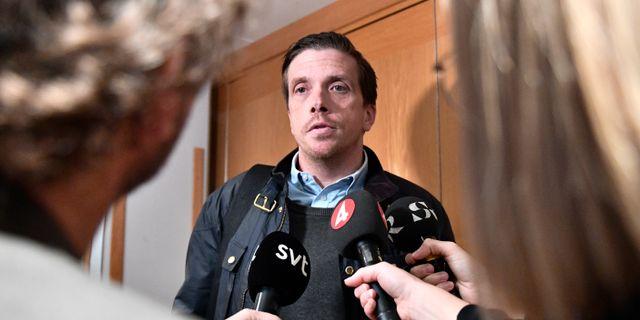 Eric Aronson i samband med mötet i dag. Karin Wesslén/TT / TT NYHETSBYRÅN