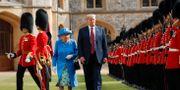 Donald Trump under sitt möte med Drottning Elizabeth. Pablo Martinez Monsivais / TT / NTB Scanpix