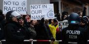 Protester mot AfD:s demonstration i Tyskland i helgen. Markus Schreiber / TT / NTB Scanpix