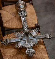 Uppemot tiotusen barn kan ha fallit offer för sexuella övergrepp inom kyrkan i Frankrike.  Michel Euler / TT NYHETSBYRÅN