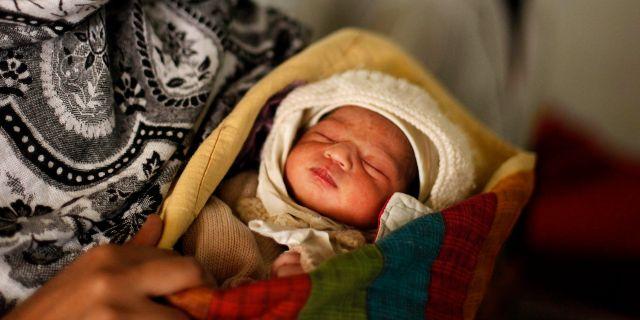 Arkivbild. Nyfödd i Indien.  Rajesh Kumar Singh / TT NYHETSBYRÅN