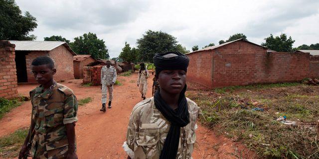Krigsherrar splittrar landet