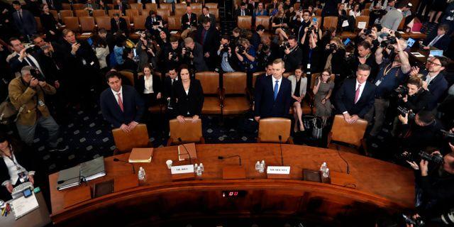Bild från ett av förhören i utskottet. Arkivbild. Andrew Harnik / TT NYHETSBYRÅN