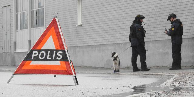 Nationella bombskyddet vid platsen där sprängningen skedde. Pontus Stenberg/TT / TT NYHETSBYRÅN