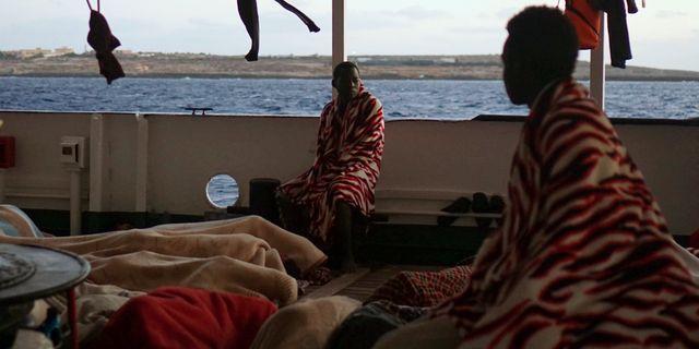 Migranter ombord fartyget Francisco Gentico / TT NYHETSBYRÅN/ NTB Scanpix
