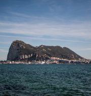 Gibraltar, vy från den spanska staden La Linea.  Javier Fergo / TT NYHETSBYRÅN